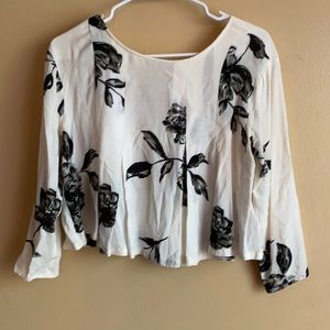 Urban outfitters Kimchi blue cream floral crop top